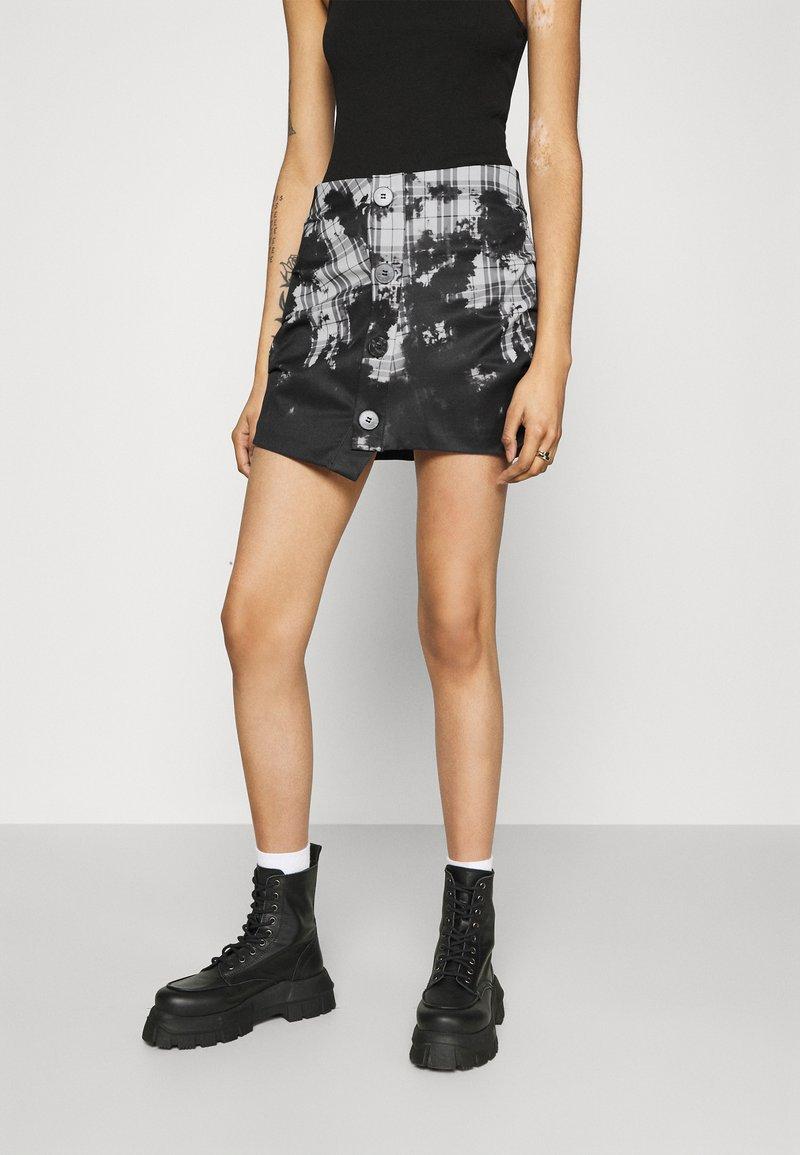 Jaded London - BUTTON FRONT SUIT SKIRT BLEACH CHECK - Mini skirt - multi