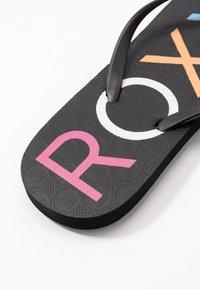 Roxy - SANDY  - Badesko - black/multicolor - 2