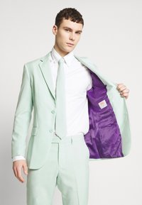 OppoSuits - MAGIC - Completo - mint - 9