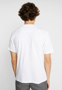 FoR - PIERRE BOLD GRAPHIC FRONT TEE - T-shirt con stampa - white - 2