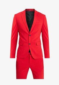 Lindbergh - Kostym - red - 11