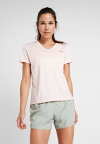 Nike Performance - MILER V NECK - Print T-shirt - echo pink/reflective silv - 0