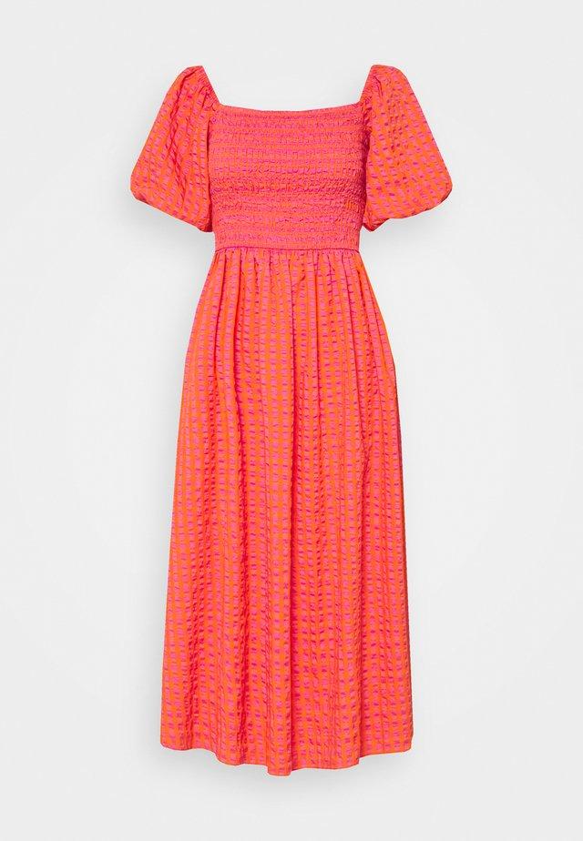 GINGHAM DRESS - Robe longue - orange