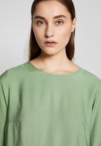 Betty & Co - Bluser - green - 3