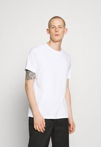 Burton Menswear London - 3 PACK - Basic T-shirt - frost/white/mint - 4