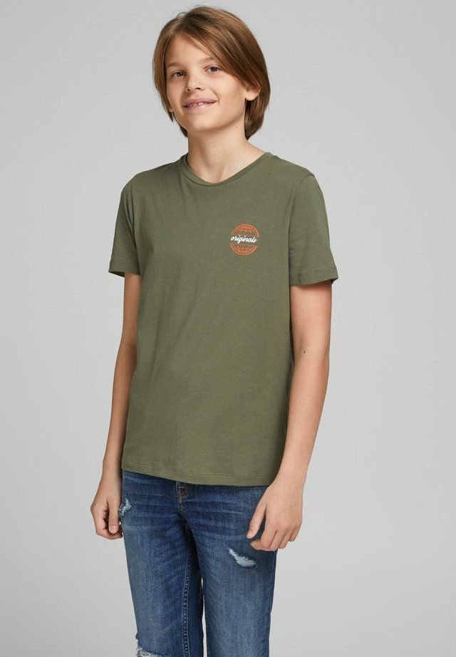 T-shirt med print - dusty olive