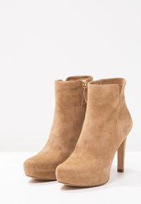 Pura Lopez - High heeled ankle boots - montone - 3