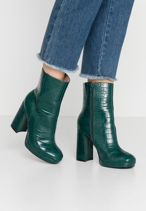 ARTHUR - High heeled ankle boots - green