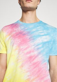 YOURTURN - UNISEX SET - Print T-shirt - multi coloured - 9