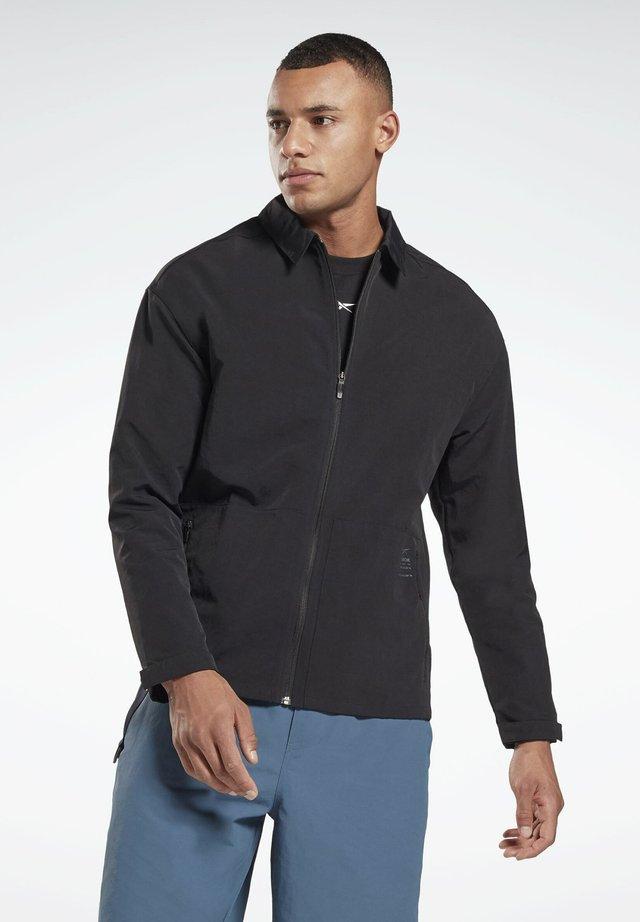 UTILITY TRACK TOP - Hemd - black