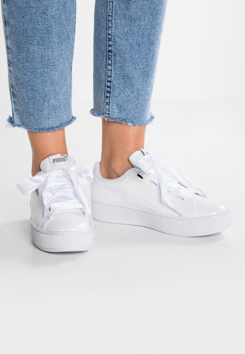 Puma - VIKKY PLATFORM RIBBON P - Sneakers laag - white
