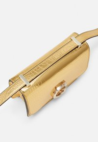 Guess - CORILY CONVERTIBLE XBODY FLAP - Across body bag - gold-coloured - 3