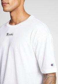 Champion Reverse Weave - CREWNECK - T-shirt con stampa - white - 3