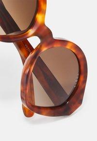 VOGUE Eyewear - NEW YORK - Occhiali da sole - yellow havana - 3