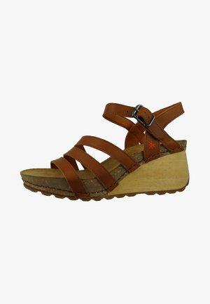 BORNE - Wedge sandals - cuero
