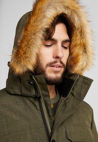 Hi-Tec - HERSHEL - Zimní kabát - olive night - 7