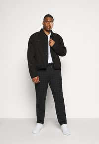 Jack´s Sportswear - CLUB PANTS ELASTIC WAIST - Tracksuit bottoms - black - 1