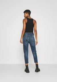 Diesel - D-FAYZA-NE - Relaxed fit jeans - medium blue - 2