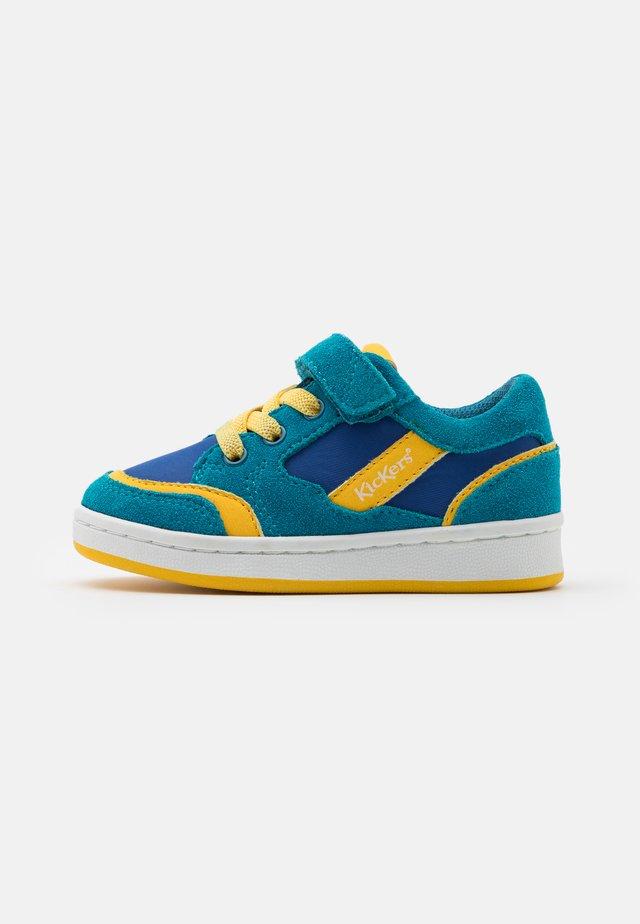BISCKUIT - Sneaker low - bleu/jaune