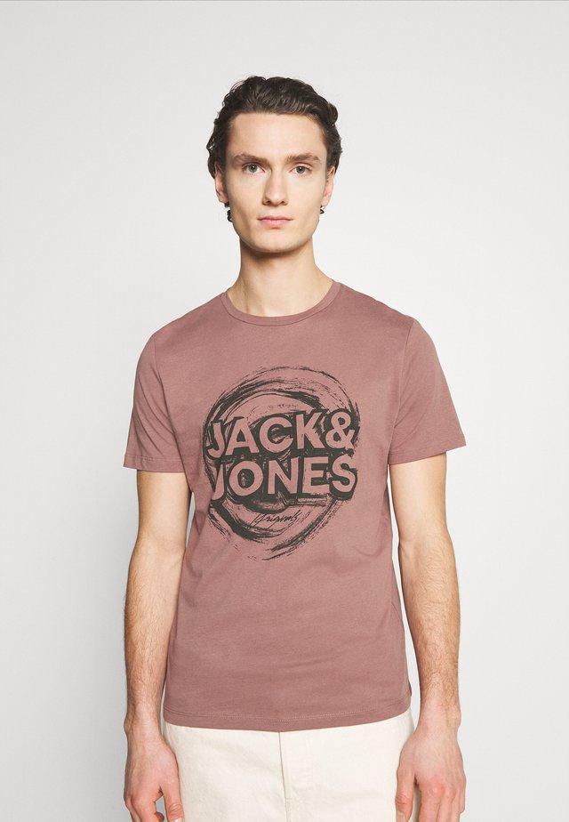 JORDUSTY TEE CREW NECK - T-shirt imprimé - rose taupe
