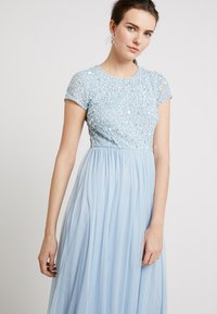 Lace & Beads - PICASSO CAP SLEEVE - Occasion wear - powder blue - 3
