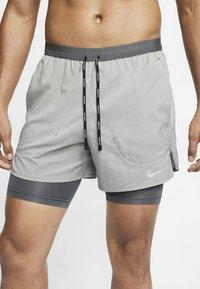 Nike Performance - Short de sport - iron grey/iron grey/heather - 2