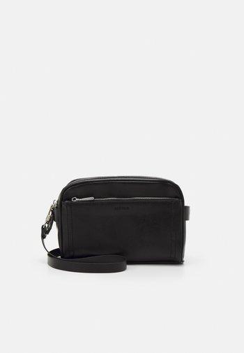 CROSSBODY BAG QUINCY M - Across body bag - black