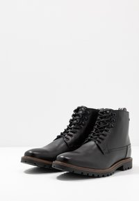 Base London - CALLAHAN - Lace-up ankle boots - black - 2