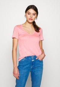 CLOSED - WOMEN - Jednoduché triko - camellia - 0