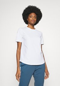 Rich & Royal - ICONIC - T-shirts - white - 0