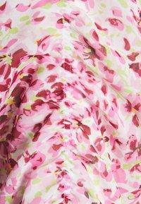 Forever New - FREYA GATHER SLEEVE MIDI DRESS - Sukienka letnia - pink - 2