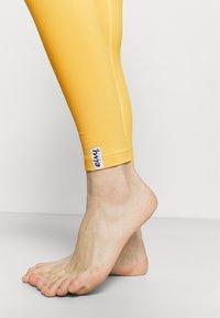 Eivy - VENTURE - Trikoot - mustard - 3