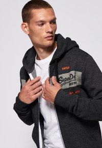 Superdry - Zip-up sweatshirt - dark grey - 3