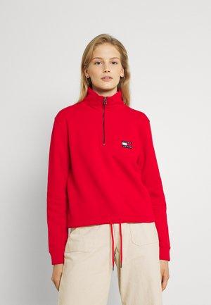 BADGE QUARTER ZIP - Sweatshirt - deep crimson