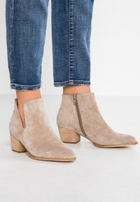 Anna Field - LEATHER CLASSIC ANKLE BOOTS - Støvletter - taupe - 0