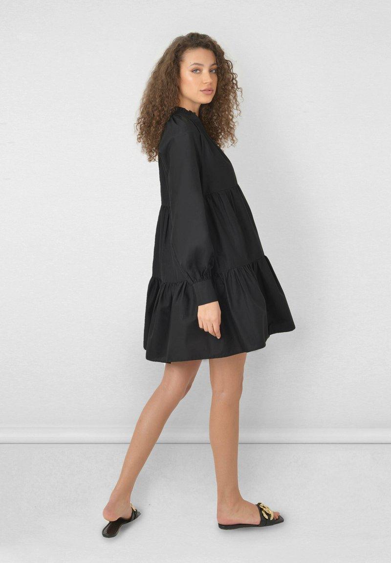Ro&Zo - FRILL COLLAR TIERED - Day dress - black