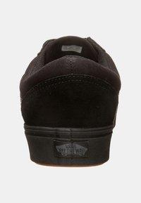 Vans - UA COMFYCUSH OLD SKOOL - Sneakersy niskie - black - 3