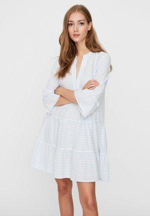 VMHELI 3/4 SHORT DRESS - Korte jurk - snow white