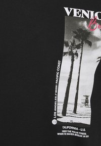 Pier One - T-shirt con stampa - black - 4