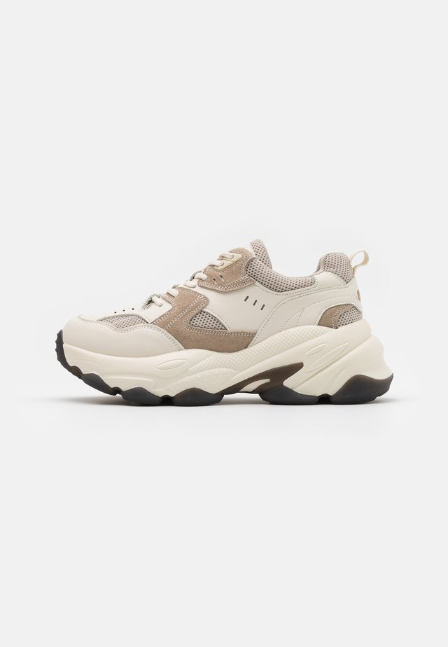 BUBBLE SOLE TRAINERS - Sneakers laag - beige
