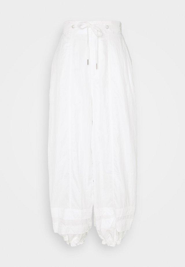 MOONPIE PANT - Pantaloni sportivi - white