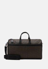 Calvin Klein - DUFFLE BAG - Sac week-end - brown - 0
