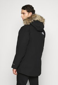 The North Face - NEW OUTERBOROUGHS JACKET - Down coat - black - 2
