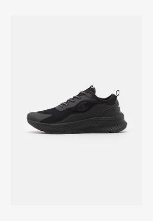 LOW CUT SHOE BELATRICS - Neutral running shoes - triple new black