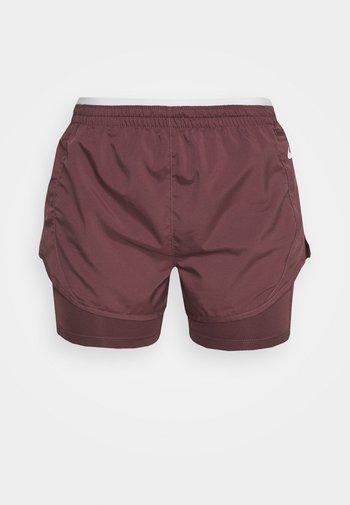 TEMPO LUXE SHORT - Pantalón corto de deporte - dark wine/venice/reflective silver