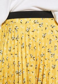 Closet - PLEATED SKIRT - A-line skjørt - mustard - 5