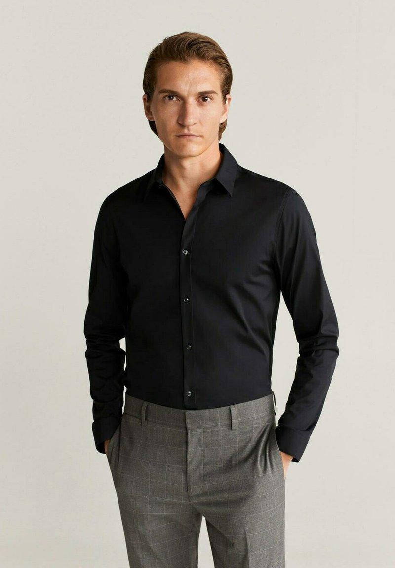 Mango - SUPER SLIM-FIT - Zakelijk overhemd - noir