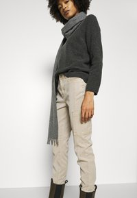 comma casual identity - HOSE LANG - Chinos - sand - 3