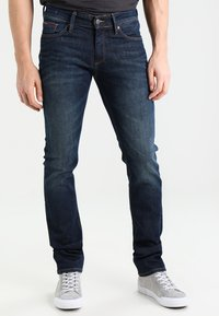 Tommy Jeans - SLIM SCANTON DACO - Vaqueros slim fit - dark - 0