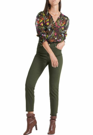 CROPPED FIT - Slim fit jeans - green